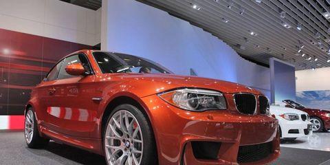 Tire, Automotive design, Vehicle, Automotive tire, Alloy wheel, Automotive exterior, Car, Hood, Rim, Grille,