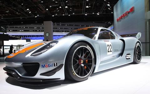 Tire, Wheel, Automotive design, Vehicle, Car, Supercar, Sports car, Performance car, Fender, Race car,