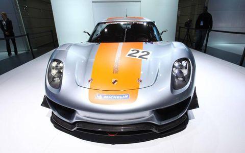 Automotive design, Vehicle, Land vehicle, Performance car, Car, Supercar, Sports car, Automotive lighting, Headlamp, Hood,