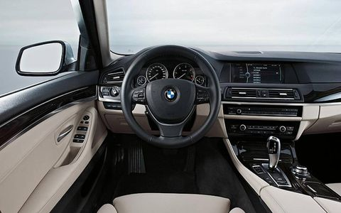 Steering part, Automotive design, Steering wheel, Product, Automotive mirror, Transport, Center console, White, Car, Technology,