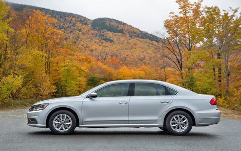 The Passat gets relatively minor changes for 2017. The trims have been repositioned, with driver assistance, connectivity and convenience features being moved into lower trim lines.
