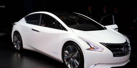 Motor vehicle, Wheel, Mode of transport, Automotive design, Vehicle, Transport, Event, Land vehicle, Car, Fender,
