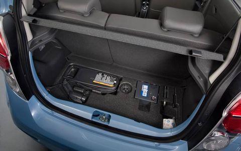 Trunk, Vehicle, Automotive design, Car, Automotive exterior, Hatchback, Luxury vehicle, Bumper, Automotive tail & brake light, Car seat,