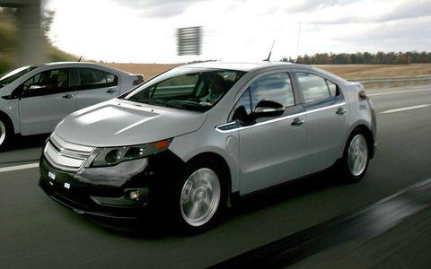 Motor vehicle, Tire, Wheel, Automotive mirror, Vehicle, Land vehicle, Transport, Automotive design, Car, Technology,