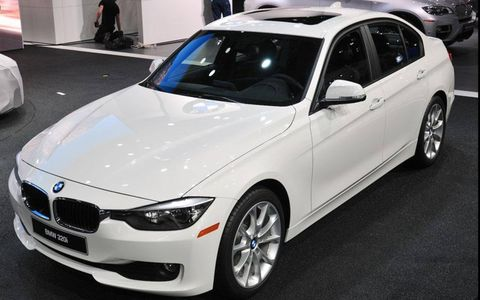 The 2013 BMW 320i sedan made its American debut at the Detroit auto show.