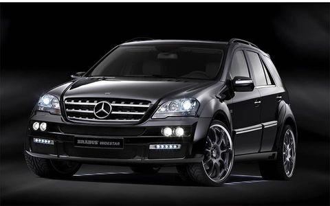 Tire, Wheel, Automotive design, Mode of transport, Vehicle, Automotive lighting, Land vehicle, Automotive tire, Hood, Headlamp,