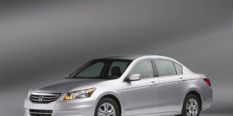 Tire, Wheel, Automotive mirror, Mode of transport, Automotive design, Product, Vehicle, Transport, Automotive tire, Car,