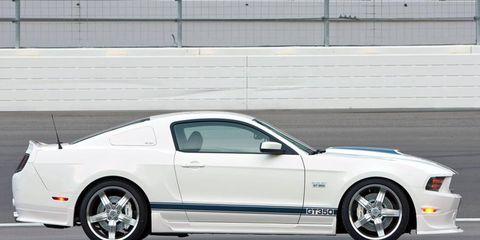Tire, Wheel, Automotive design, Vehicle, Automotive tire, Land vehicle, Rim, Hood, Alloy wheel, Car,