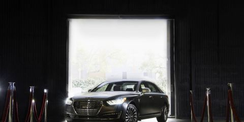 Genesis again partnered with Vanity Fair magazine on special edition sedans for Oscar presenters and nominees.