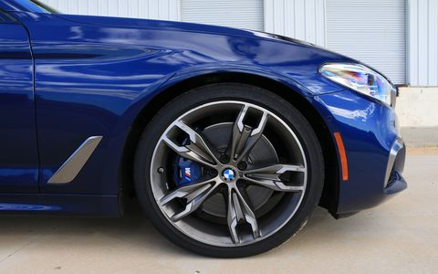 2018 BMW M550i xDrive Details