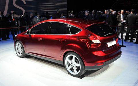 Tire, Wheel, Automotive design, Vehicle, Car, Automotive wheel system, Hatchback, Alloy wheel, Auto show, Mid-size car,