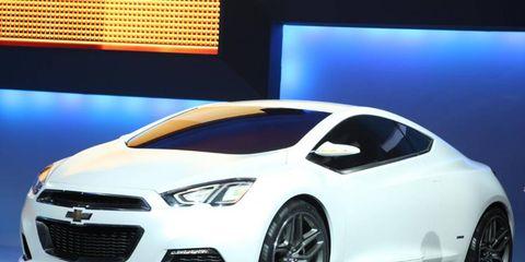 Tire, Motor vehicle, Wheel, Mode of transport, Automotive design, Vehicle, Product, Land vehicle, Car, Grille,