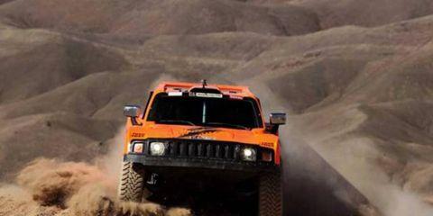 Robbie Gordon churns through the desert of Chile. Gordon dominated stage nine of the Dakar Rally.