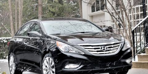 We are averaging 27 mpg in our long-term test of the 2011 Hyundai Sonata.