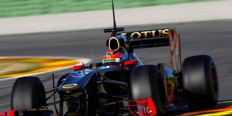 Formula One star Robert Kubica is injured once again following a fall near his home in Italy.