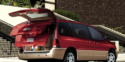 A problem in the transaxle has prompted Ford to recall the Freestar minivan.