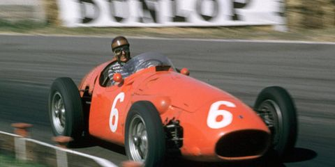 Argentinean driving star Roberto Mieres died in Uruguay on Jan. 26 at the age of 87.