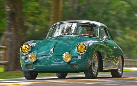 Tire, Wheel, Motor vehicle, Mode of transport, Automotive design, Vehicle, Automotive tire, Automotive lighting, Headlamp, Classic car,