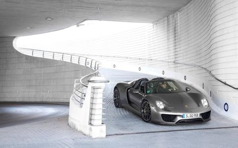 Front end view of the Porsche 918 Spyder.