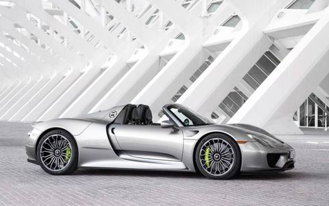 Side profile of the Porsche 918 Spyder.