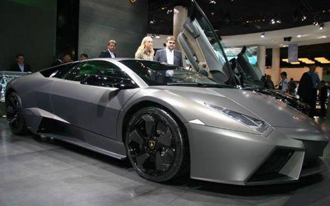 Tire, Wheel, Automotive design, Mode of transport, Vehicle, Event, Land vehicle, Rim, Supercar, Car,