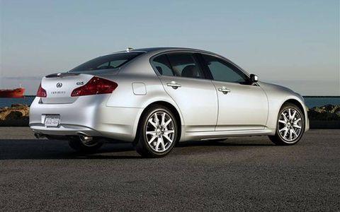 Tire, Wheel, Automotive design, Alloy wheel, Automotive tire, Vehicle, Rim, Spoke, Car, Automotive wheel system,