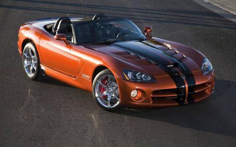 Tire, Wheel, Automotive design, Vehicle, Hood, Land vehicle, Performance car, Headlamp, Rim, Car,