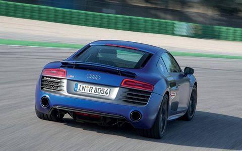 The 2014 Audi R8 V10 Plus sports a 5.2-liter DOHC V10 engine.