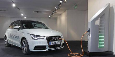 Tire, Motor vehicle, Wheel, Automotive design, Product, Vehicle, Car, Headlamp, Grille, Automotive lighting,