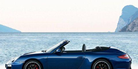 Tire, Wheel, Automotive design, Vehicle, Coastal and oceanic landforms, Alloy wheel, Performance car, Car, Rim, Spoke,
