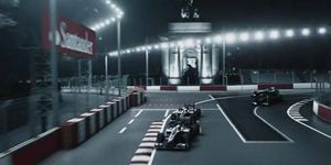 Formula One stars Jenson Button and Lewis Hamilton take a virtual lap at speed of what could one day be an F1 course through the heart of London.