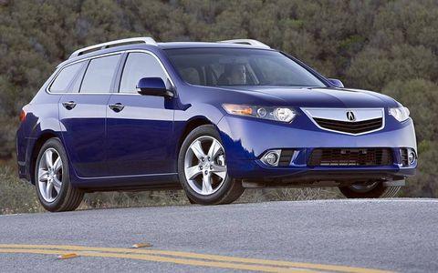 Tire, Wheel, Motor vehicle, Mode of transport, Blue, Automotive mirror, Daytime, Vehicle, Glass, Automotive tire,