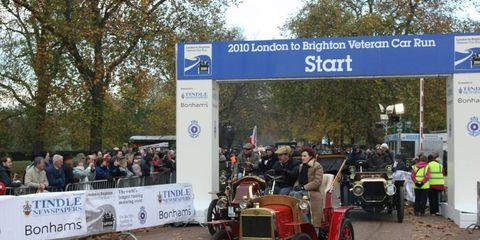 Classic car, Classic, Antique car, Signage, Banner, Advertising, Antique, Tread, Vintage car, Sign,