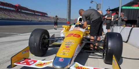 Ryan Hunter-Reay, above, and Will Power, who are the two top contenders for the IndyCar championship, will take a penalty for changing engines for Saturday's final race.