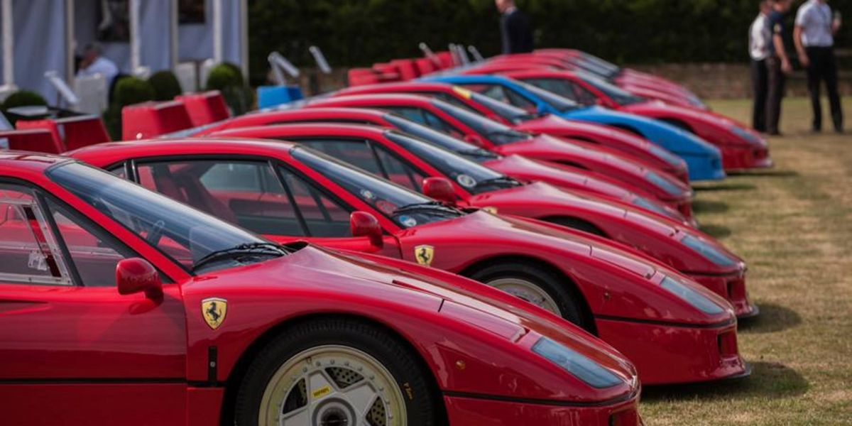 Salon Privé honors the Gullwing and Ferrari F40