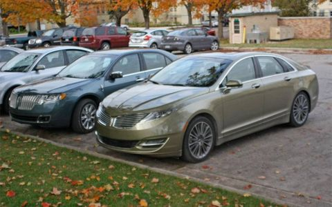Whether you like the styling of the 2013 Lincoln MKZ or not, these photos of the luxury sedan parked next to a current model make the old version look dated.