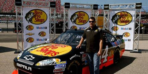 Tony Stewart (14) will have Bass Pro Shop sponsorship in 2013.