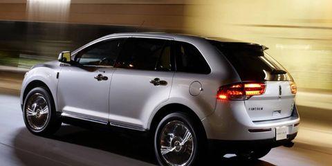 Tire, Wheel, Motor vehicle, Automotive design, Automotive tire, Vehicle, Land vehicle, Alloy wheel, Car, Rim,