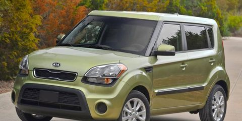 The 2012 Kia Soul ! is a boxy, utilitarian vehicle that offers decent power, sporty driving character and a reasonable ride.