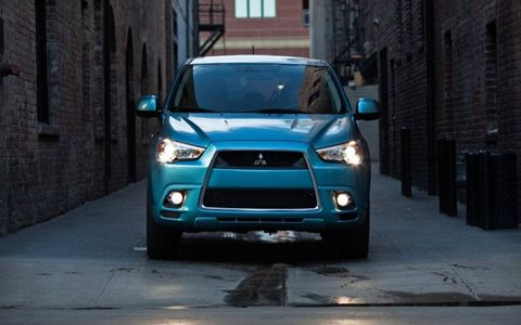 The visual connection between the 2012 Mitsubishi Outlander Sport SE and some of the automaker's performance offerings, like the Lancer, is readily apparent.