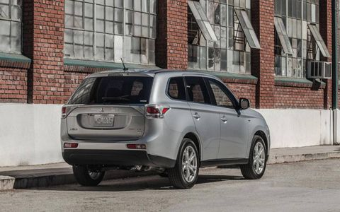 The 2014 Mitsubishi Outlander GT was unveiled at the LA Auto Show.