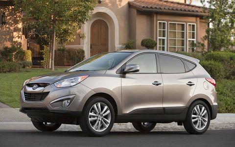 Tire, Motor vehicle, Wheel, Automotive design, Vehicle, Window, Automotive tire, Land vehicle, Car, Glass,