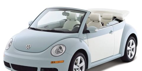 Motor vehicle, Automotive design, Mode of transport, Vehicle, Automotive mirror, Automotive exterior, Land vehicle, Vehicle door, Car, Transport,