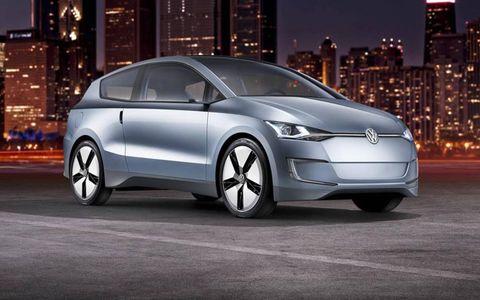 Automotive mirror, Mode of transport, Automotive design, Vehicle, Land vehicle, Transport, Car, Glass, Vehicle door, Alloy wheel,