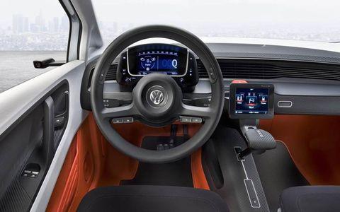 Motor vehicle, Steering part, Mode of transport, Steering wheel, Transport, Center console, Speedometer, Gauge, Vehicle door, Vehicle audio,