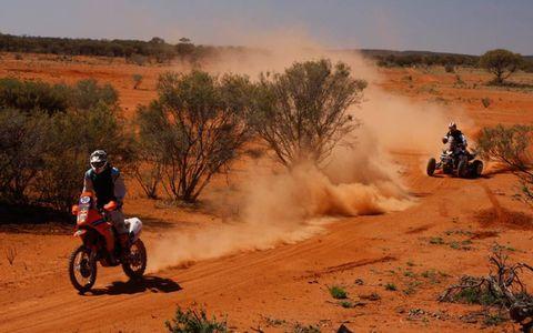 As in the Score Baja Series, quads, motorcycles and 4WDs share the same track.