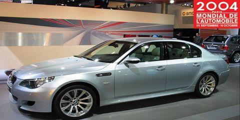 Tire, Wheel, Automotive design, Vehicle, Land vehicle, Alloy wheel, Spoke, Rim, Car, Automotive lighting,