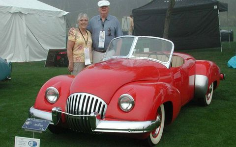 "Former 1947 Kurtis-Omohundro Comet owner Jerry Ingram and his wife are shown with the car at the 2009 Amelia Island Concours d'Elegance, where the it won the ""Most Elegant Sports Car"" award."