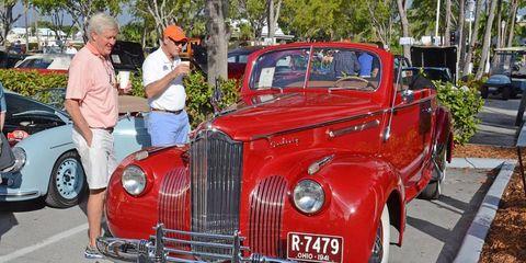 Motor vehicle, Wheel, Tire, Automotive design, Land vehicle, Vehicle, Automotive tire, Vehicle door, Automotive exterior, Car,