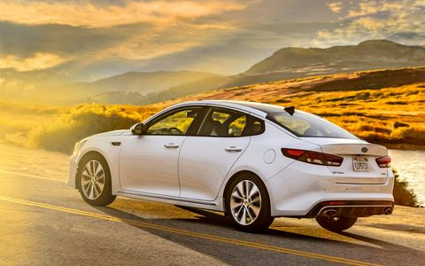 The 2017 Kia Optima SX Limited gets a 2.0-liter turbocharged four with 245 hp and 260 lb-ft of torque.